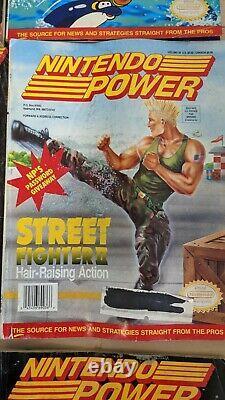 Lot De Nintendo Power Magazine Numéro 1. Tous Ont Des Affiches